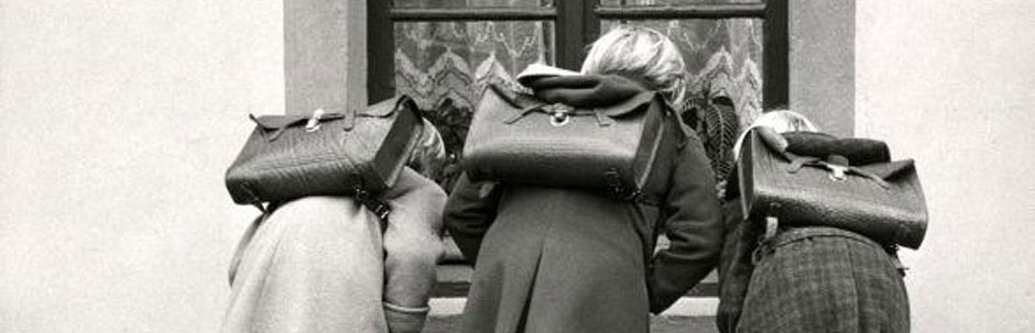 girls_with_satchels